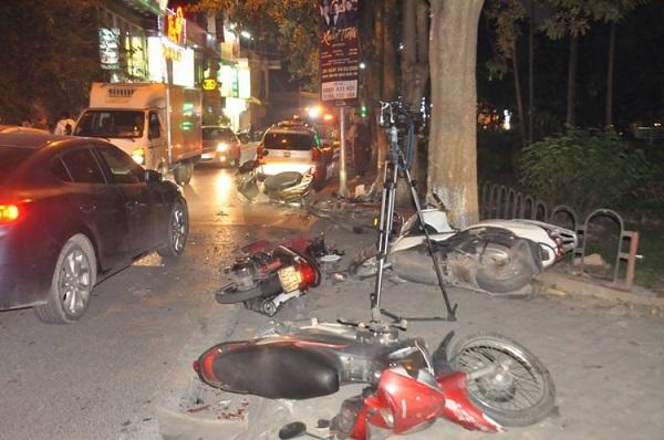 Nạn nhân vụ xe Lexus gây tai nạn liên hoàn ở Hà Nội: Nằm dưới gầm ô tô mới biết bị tông - Ảnh 1