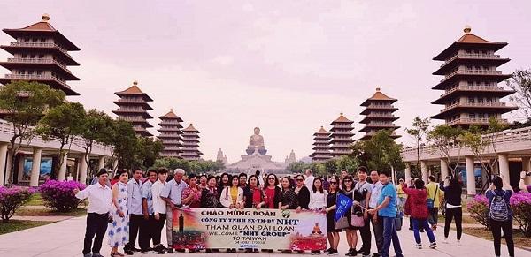 """Vụ 152 du khách Việt """"mất tích"""" ở Đài Loan: Nhiều doanh nghiệp lữ hành trục lợi từ visa Quan Hồng? - Ảnh 1"""