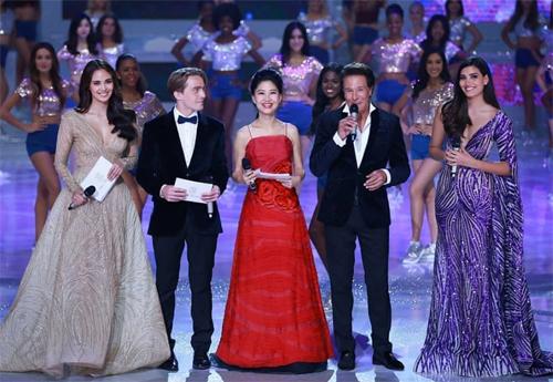 Những hình ảnh đầu tiên của hoa hậu Tiểu Vy trong đêm chung kết Miss World 2018  - Ảnh 1