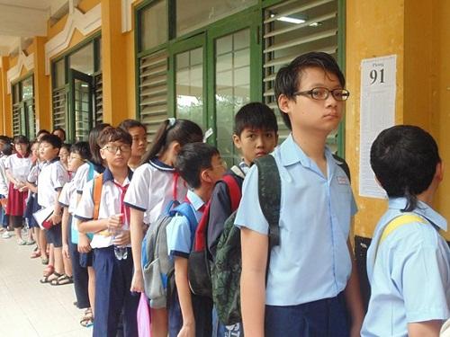 Hôm nay (14/6), hơn 4.000 thí sinh căng thẳng tranh suất vào lớp 6 trường Trần Đại Nghĩa - Ảnh 2