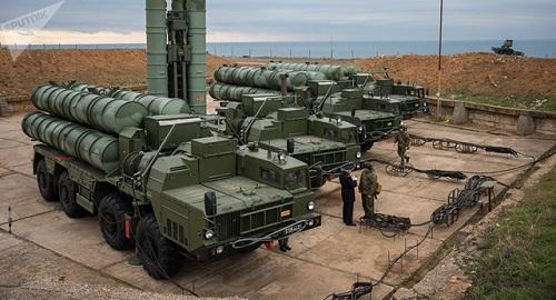 """Vua Ả-rập Xê-út lo lắng trước việc Qatar mua """"rồng lửa"""" S-400 của Nga - Ảnh 1"""