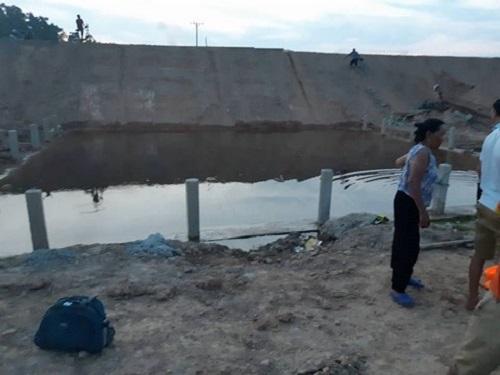 Hà Tĩnh: Cứu em, hai chị em chết đuối thương tâm dưới hố nước - Ảnh 1