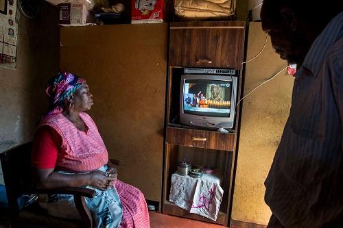 Những luật lệ khó tin nhất ở châu Phi: Diễn viên đóng nhiều phim bị bỏ tù  - Ảnh 4