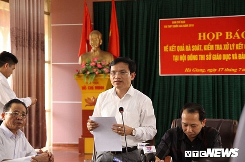 Họp báo công bố gian lận điểm thi THPT quốc gia 2018 tại Hà Giang: Hơn 300 bài thi bị sửa điểm - Ảnh 3