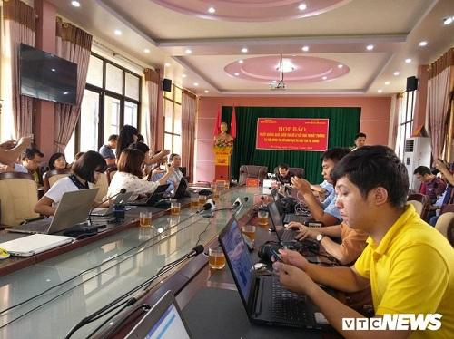 Họp báo công bố gian lận điểm thi THPT quốc gia 2018 tại Hà Giang: Hơn 300 bài thi bị sửa điểm - Ảnh 4