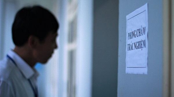 Vụ gian lận điểm ở Hà Giang: Hé lộ lý do hai thanh tra bỏ nhiệm vụ giám sát chấm thi - Ảnh 2