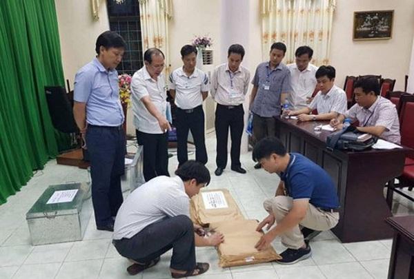 Vụ gian lận điểm ở Hà Giang: Hé lộ lý do hai thanh tra bỏ nhiệm vụ giám sát chấm thi - Ảnh 1