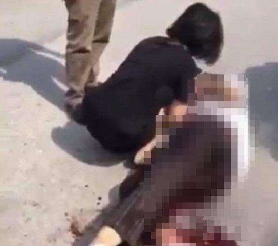 Điều tra vụ nữ sinh bị đâm trọng thương trước cổng công viên - Ảnh 1