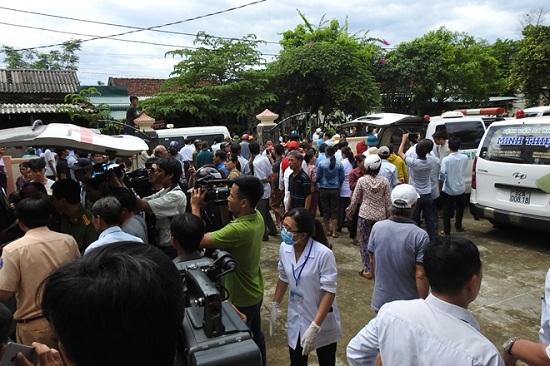 Vụ tai nạn 13 người chết ở Quảng Nam: Không khí tang thương bao trùm làng quê nghèo - Ảnh 3