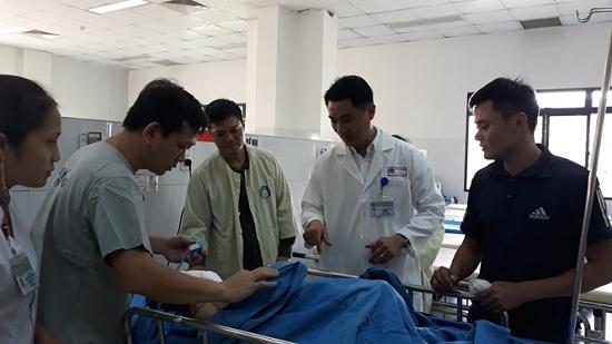 Vụ tai nạn 13 người chết ở Quảng Nam: Không khí tang thương bao trùm làng quê nghèo - Ảnh 5