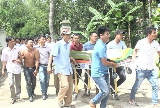 Vụ tai nạn 13 người chết ở Quảng Nam: Xót xa khăn tang dọc trắng thôn Lương Điền - Ảnh 3