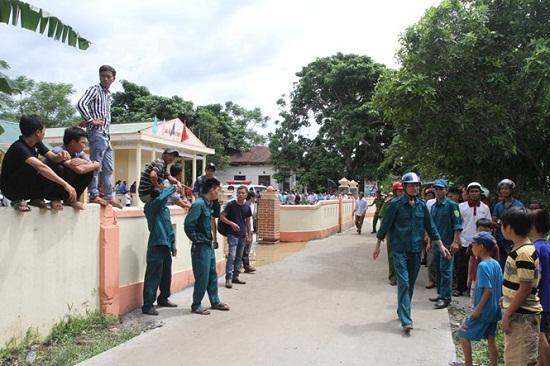 Vụ tai nạn 13 người chết ở Quảng Nam: Xót xa khăn tang dọc trắng thôn Lương Điền - Ảnh 2