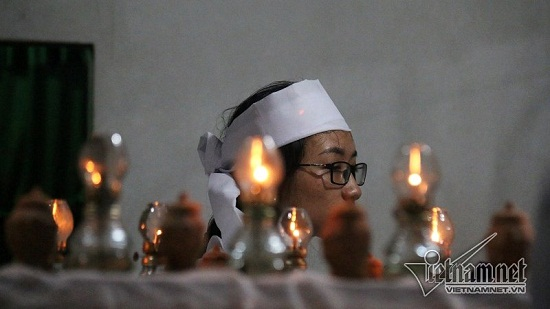 Vụ tai nạn 13 người chết ở Quảng Nam: Xót xa khăn tang dọc trắng thôn Lương Điền - Ảnh 8