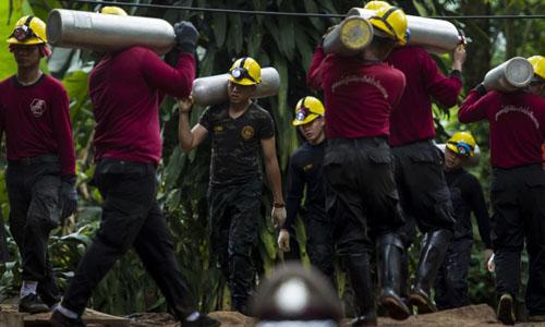 Thái Lan: Sơ tán khu vực quanh hang, sớm bắt đầu công tác giải cứu đội bóng nhí - Ảnh 1