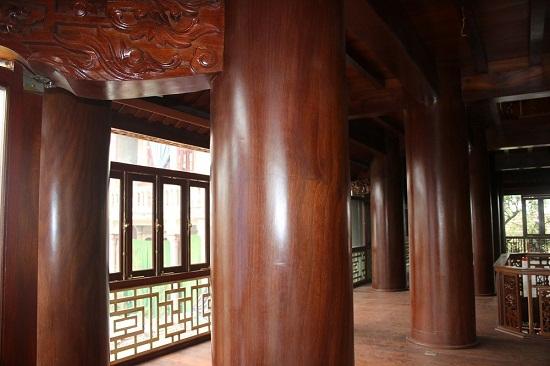 """Cận cảnh ngôi nhà 5 tầng bằng gỗ quý """"độc nhất vô nhị"""" tại Việt Nam - Ảnh 2"""