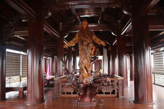 """Cận cảnh ngôi nhà 5 tầng bằng gỗ quý """"độc nhất vô nhị"""" tại Việt Nam - Ảnh 5"""