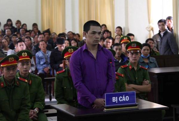 """Vụ """"con nợ"""" giết người rồi chôn xác ở Lâm Đồng: Lời khai của hung thủ không khớp với cáo trạng - Ảnh 2"""
