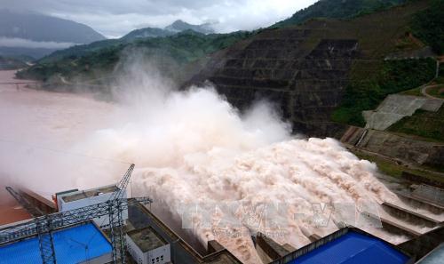 Trước nguy cơ bão lũ, tăng cường kiểm tra việc vận hành hồ thủy điện - Ảnh 1