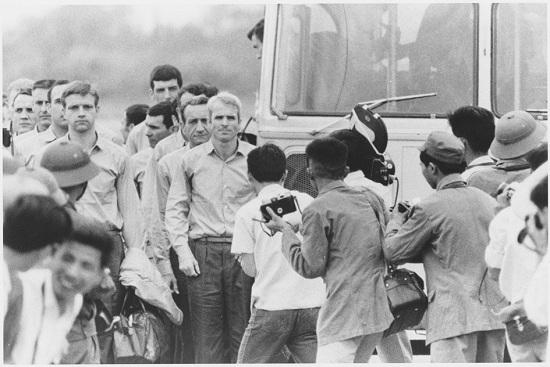 Mảnh ghép Việt Nam trong cuộc đời Thượng nghị sĩ Mỹ John McCain - Ảnh 4