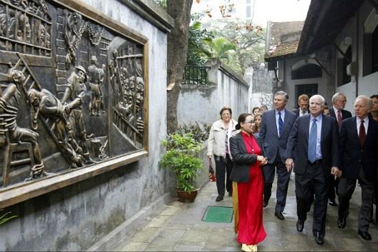 Mảnh ghép Việt Nam trong cuộc đời Thượng nghị sĩ Mỹ John McCain - Ảnh 9