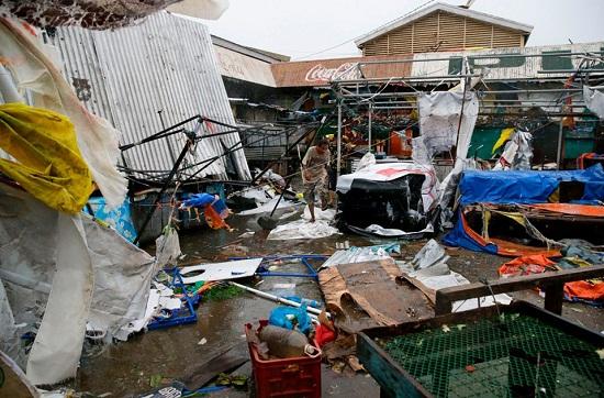 Cận cảnh sức tàn phá ghê gớm của siêu bão Mangkhut tại Philippines - Ảnh 6