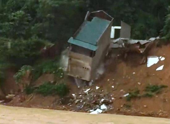 13 người chết và mất tích, gần 6.500 ngôi nhà bị ngập do mưa lũ tại Thanh Hóa - Ảnh 2