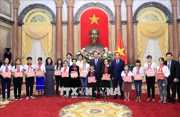 Chủ tịch nước Trần Đại Quang luôn dành tấm lòng yêu thương cho thiếu niên, nhi đồng - Ảnh 13