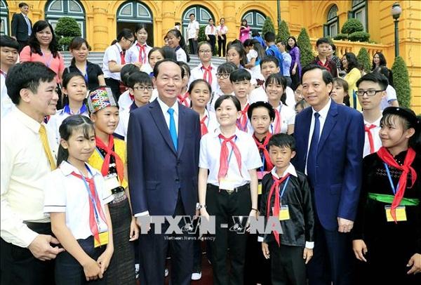 Chủ tịch nước Trần Đại Quang luôn dành tấm lòng yêu thương cho thiếu niên, nhi đồng - Ảnh 15