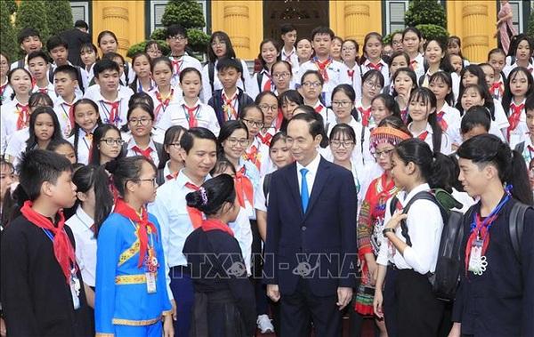 Chủ tịch nước Trần Đại Quang luôn dành tấm lòng yêu thương cho thiếu niên, nhi đồng - Ảnh 7