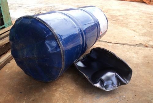 Yên Bái: Cưa vỏ thùng phuy đựng xăng gây nổ lớn, 2 người bị thương nặng - Ảnh 1