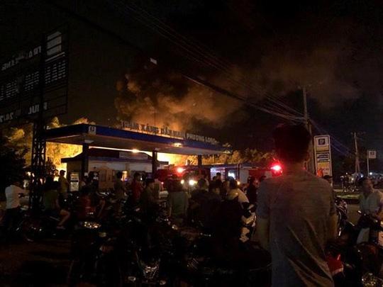 Đồng Nai: Xác định nguyên nhân trạm xăng dầu bốc cháy dữ dội trong đêm - Ảnh 2