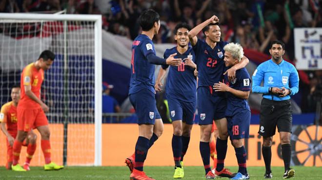 Giữa muôn vàn chỉ trích, đội trưởng Thái Lan vẫn nuôi hy vọng về một mùa Asian Cup - Ảnh 1