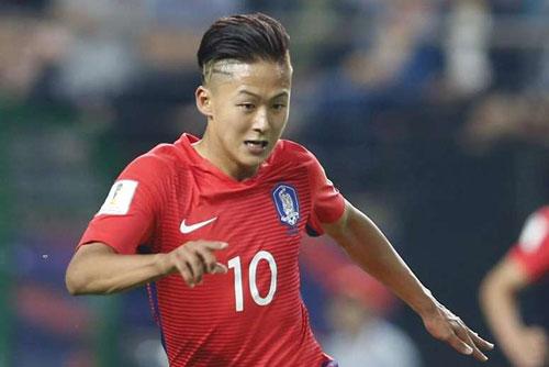 Trọng Hoàng và Hùng Dũng lọt vào đội hình tiêu biểu vòng 1/8 Asian Cup 2019 - Ảnh 10