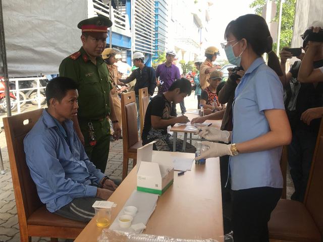 TP.HCM: Kiểm tra đột xuất cảng Cát Lái, phát hiện 2 tài xế container dương tính với ma túy - Ảnh 2