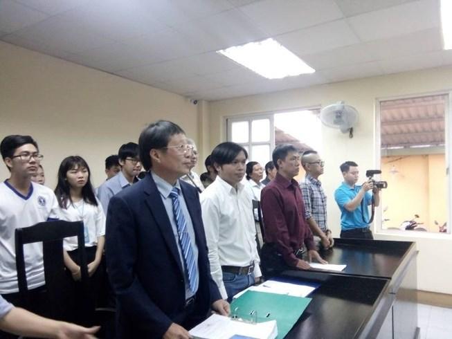 Hôm nay (24/1), mở lại phiên tòa xử vụ tranh chấp bản quyền truyện Thần đồng đất Việt - Ảnh 1