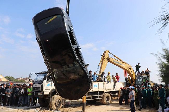 Vụ chồng lao ô tô xuống sông ở Quảng Nam: Bất ngờ trước lời kể của hàng xóm - Ảnh 1