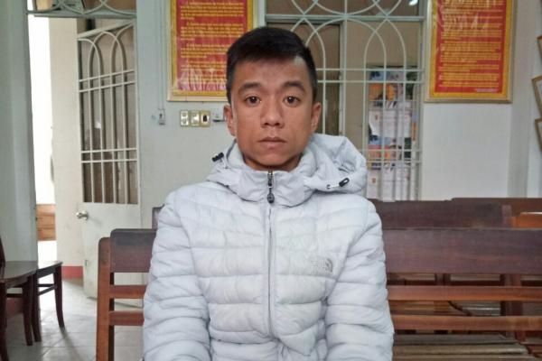 Khởi tố bị can, bắt tạm giam nam thanh niên xông vào trạm y tế đâm chết người - Ảnh 1