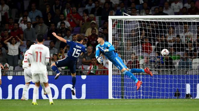 """Asian Cup 2019: """"Cú lừa"""" ngoạn mục của tiền vệ Nhật Bản và 3 bàn thua đầy cay đắng của Iran - Ảnh 1"""