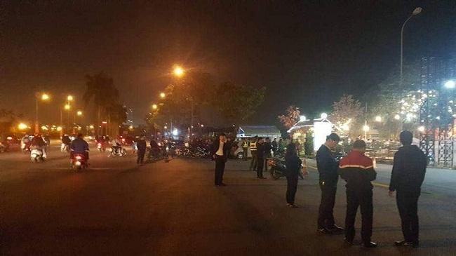 Hiện trường vụ nam tài xế taxi tử vong nghi bị cướp cứa cổ ngay trước SVĐ Mỹ Đình - Ảnh 3