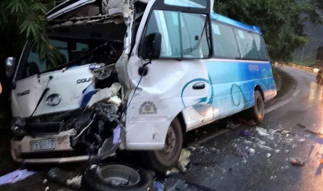 Tin tức tai nạn giao thông mới nhất hôm nay 1/10/2019: Xe container bị tàu hỏa tông gãy đôi - Ảnh 3