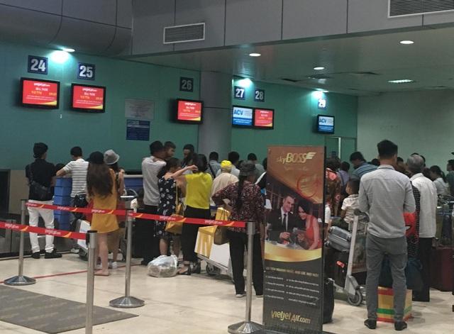 Xử phạt nam hành khách 8,5 triệu đồng vì tát nhân viên hàng không tại Tân Sơn Nhất - Ảnh 1