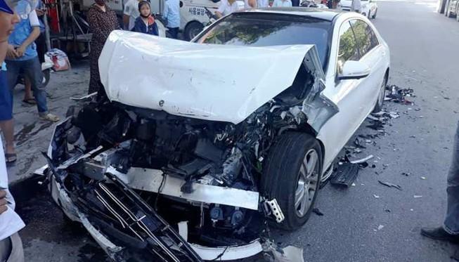 Tin tức tai nạn giao thông mới nhất hôm nay 12/10/2019: Băng qua đường ray, người đàn ông bị đâm tử vong - Ảnh 2