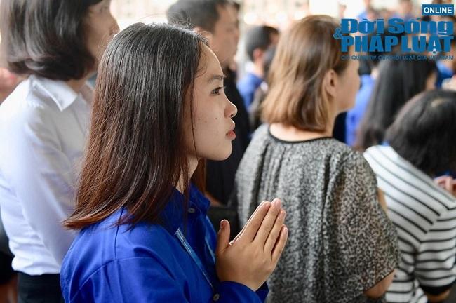 Người thân khóc nghẹn tại tang lễ Thứ trưởng bộ GD-ĐT Lê Hải An - Ảnh 5