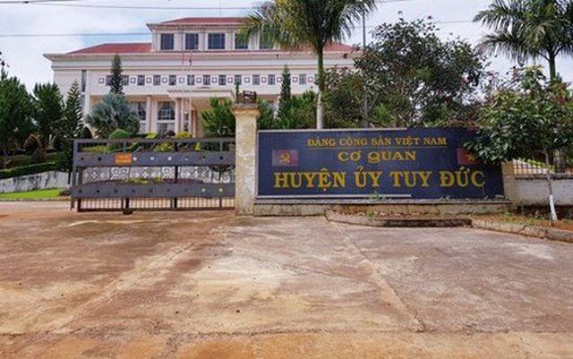 Đắk Nông: Làm rõ vụ chánh văn phòng huyện ủy đánh tài xế cơ quan nhập viện - Ảnh 1