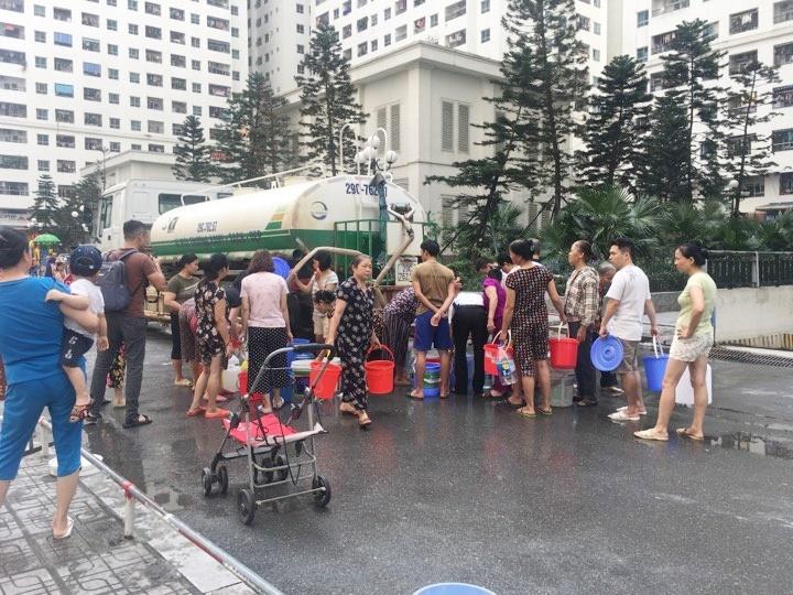 Công ty nước sạch sông Đà xin lỗi người dân và hứa bồi thường 1 tháng tiền nước - Ảnh 2