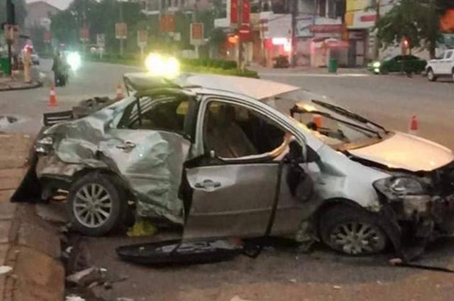 Tin tức tai nạn giao thông mới nhất hôm nay 27/10/2019: Xe tải húc văng 7 xe máy, 11 người bị thương - Ảnh 3