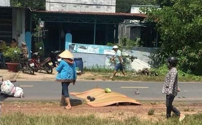 Bình Dương: Hai vợ chồng thương vong vì tông phải con bò chạy qua đường - Ảnh 1