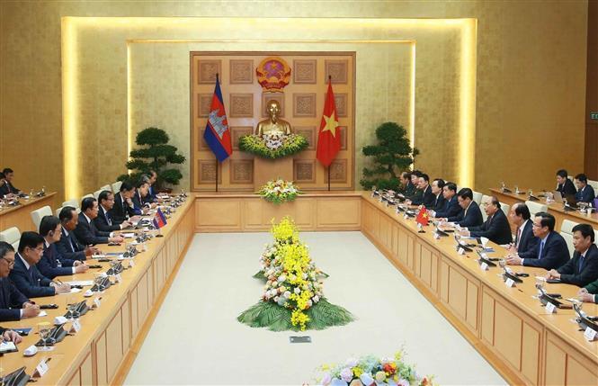 Thủ tướng Nguyễn Xuân Phúc và Thủ tướng Campuchia hội đàm và chứng kiến Lễ ký các văn kiện hợp tác - Ảnh 4