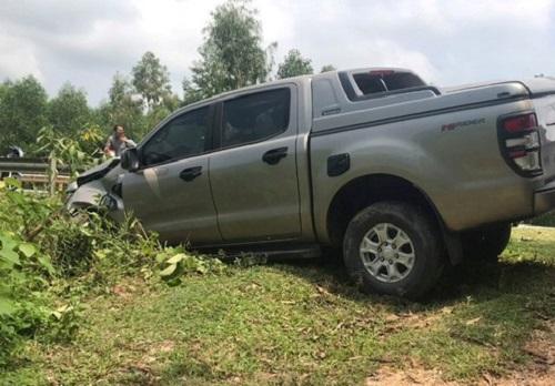 Tin tức tai nạn giao thông mới nhất hôm nay 6/10/2019: Va chạm với xe bán tải, 2 vợ chồng trẻ tử vong - Ảnh 1