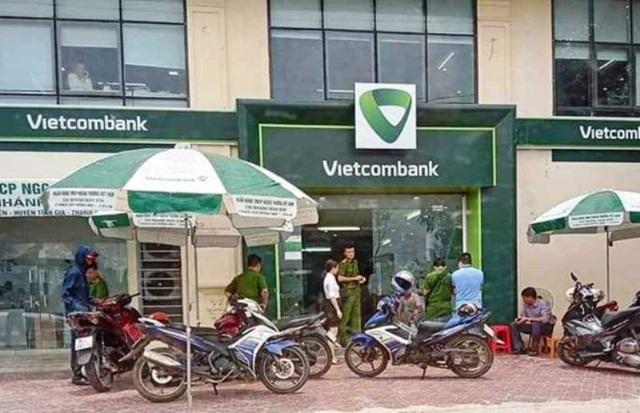 Thanh Hóa: Thông tin chính thức vụ cán bộ công an nổ súng tại ngân hàng  - Ảnh 1